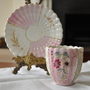 お花模様のマスタッシュカップ